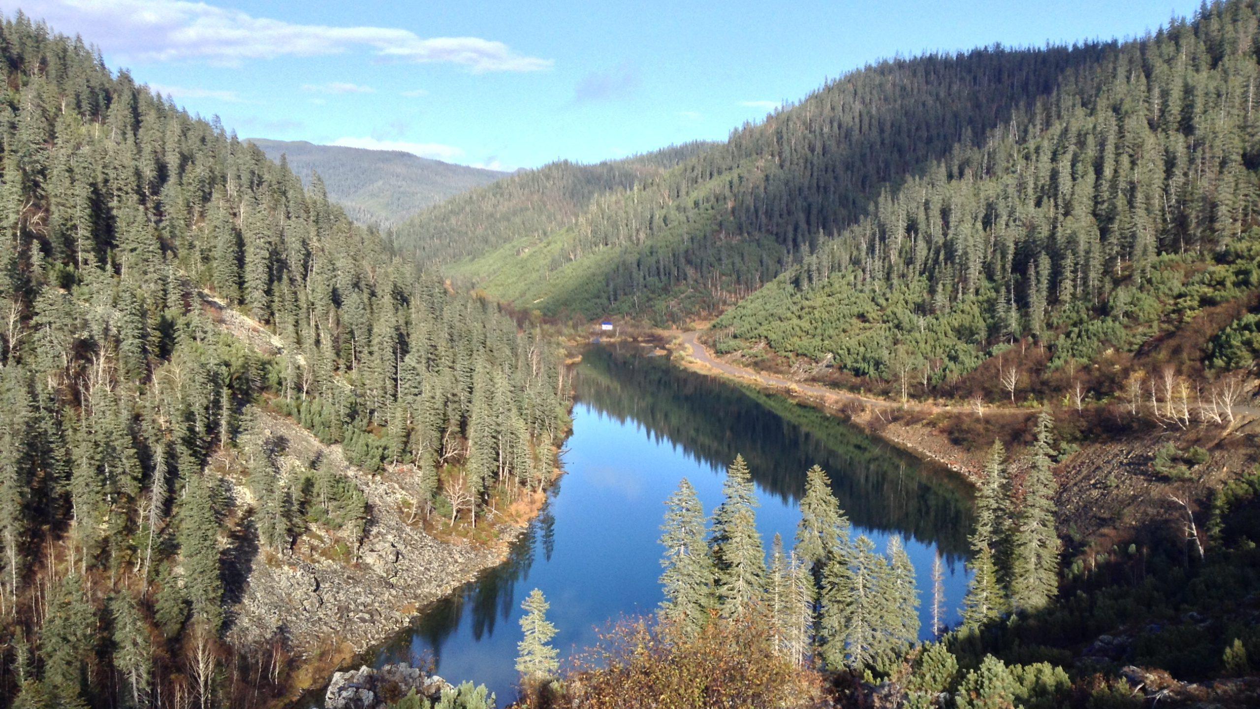 ソルネチヌイ地区・アムット湖